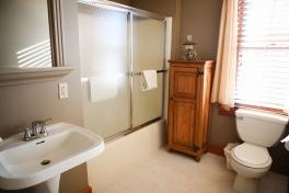 Room4_5 private bath